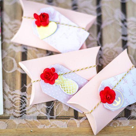 24 petites roses Rouge  sur tige - 2.1cm